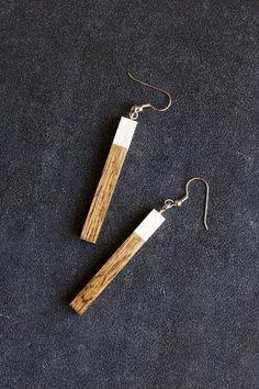 DIY wood earrings. Wood turning, lathe, project, design, ideas, inspiration, woodturning, turning, woodwork, necklace, pendant, jewellery