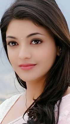 Kajal Agrawal hot Images and Photos of all time. South industry leading Actress Kajal Agrawal movies are so popular. Beautiful Girl Photo, Beautiful Girl Indian, Most Beautiful Indian Actress, Beautiful Clothes, Beauty Full Girl, Cute Beauty, Beauty Women, Beautiful Bollywood Actress, Beautiful Actresses