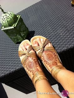Henna Lounge - feet- perfect sandal placement--so beautiful.