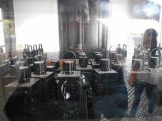 Lampu minyak yang digunakan ketika jaman perang dahulu kala untuk penerangan di stasiun