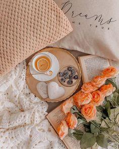 Autumn Aesthetic, Night Aesthetic, Coffee Love, Coffee Break, Rain Wallpapers, Tea And Books, Backyard Pool Designs, Good Morning Coffee, Shades Of Beige
