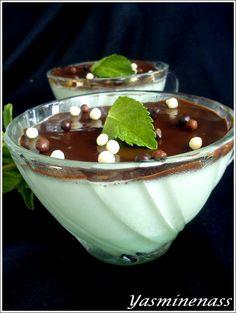 Salam alyakoum/bonjour, Il y a des classiques chez moi et la panna cotta en fait décidement partie, normal voilà un dessert rapide, gourmand qu'on peut décliner à toutes ses envies. Pour le coup, mon inspiration du moment c'est les fameux chocolats After...