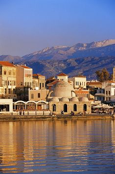Crete: Discovering the 'Great Island' (Tauris Parke Paperbacks) Beautiful Wallpaper Photo, Places In Greece, Crete Island, Greek Isles, Mountain Vacations, Crete Greece, White Mountains, Countries Of The World, Beautiful Islands