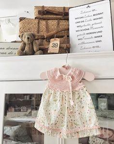 Für ein kleines Feenkind🧚🏻♂️😉 #feenwelt #kleinesmädchen #littlegirl #kleidchen #girlydress #rosarot #liebezumdetail #allerliebst #selbstgenäht #nähenistwiezaubernkönnen #iblaursen #stoffigesundmehr #schweiz