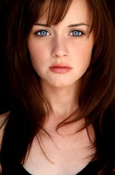 Alexis Bledel her hair!! bangs??