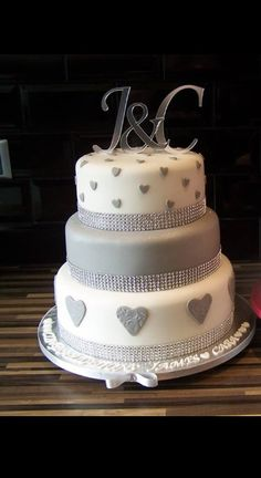 Engagement cake would look great in any colour