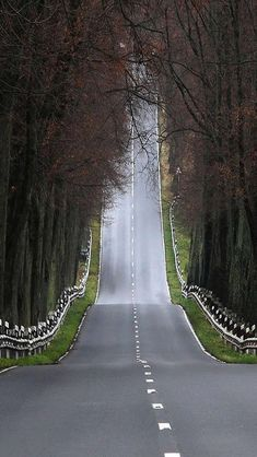 Travel Discover Beautiful road most senic path I have ever seen - Beautiful Roads Beautiful Places All Nature Pathways Background Images Countryside Nature Photography Aperture Photography Photography Tools Beautiful Roads, Beautiful Landscapes, Beautiful Places, Back Road, High Road, Winding Road, All Nature, Roadtrip, Belle Photo