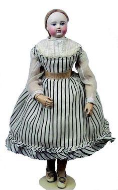 Poupée HURET, superbe poupée parisienne Habillée avec des vêtements de