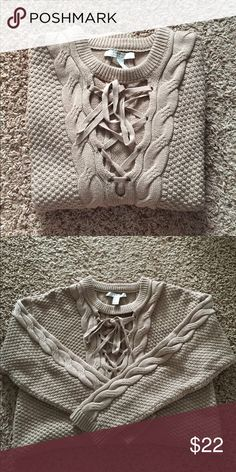 Large Front Tie Cable Knit Sweater Brand New, never worn Forever 21 Sweaters Crew & Scoop Necks