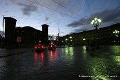 Si accendono i lampioni in piazza Castello. #Torino 29 aprile 2014 #spaziotorino