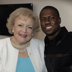 Betty White and Kevin Hart hanging out backstage. (1/2/13) #TonightShow #BettyWhite #KevinHart