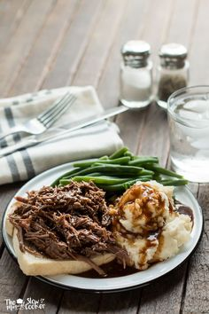 Everything is better with gravy! Try these Slow Cooker Hot Roast Beef Sandwiches. #CrockPot