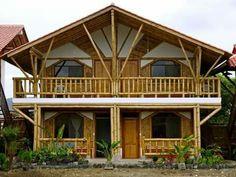 Casa de bambu Bamboo Architecture, Architecture Design, Bamboo Village, Bamboo House Design, Bamboo Structure, Bamboo Construction, Rest House, Home Design Floor Plans, Vintage House Plans
