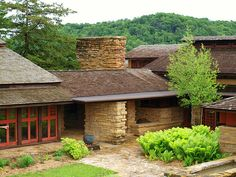 Taliesin East. Frank Lloyd Wright. South of Spring Green, Wisconsin. 1911,1914, 1925 (remodels and additions)
