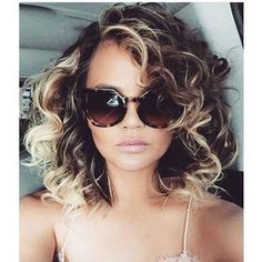 You *NEED* to See Chrissy Teigen With Uber-Curly Hair