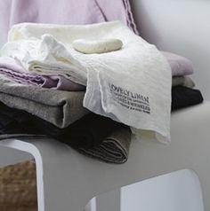 Nytt hos oss på dennyshome.se - Lovely Linen Linne Handduk 50x70cm - Kardelen - Dennys Home -  http://www.dennyshome.se/kardelen #kardelen #bykardelen #lovely #linen #lovelylinen #handduk #badrum #inredning
