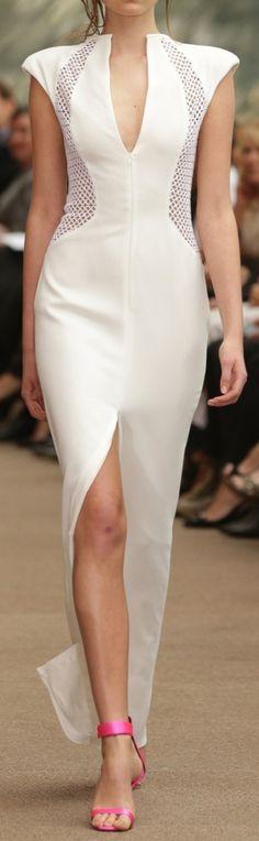 Carla Zampatti Australia Spring 2015 Fashion Show Carla Zampatti, Runway Fashion, Fashion Models, Fashion Show, Fashion Design, Women's Fashion, Fashion Trends, Vogue Paris, Spring 2015 Fashion
