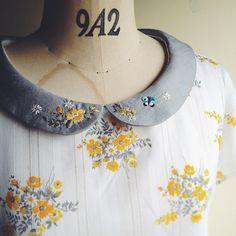 ビンテージ生地と小さな丸襟のブラウス。 ちょこっとだけ刺繍いれてみました。