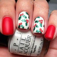 Uñas con Cerezas navideñas
