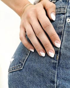 SNS Nails: What Is An SNS Manicure & How Does It Work? Looking for a new manicure nail polish colour for summer? Here are six to try for the new season. Funky Nails, Cute Nails, Pretty Nails, Cute Simple Nails, Hair And Nails, My Nails, Teen Nails, Work Nails, Uñas Fashion