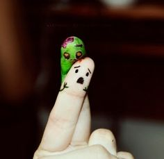 Zombie Brain Eating Finger :)
