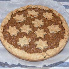 Yummy #applepie made from scratch! For the full #recipe find the link in the bio.  . . . . . #dessert #pie #baking #apple #applefilling #sweet #lovefood #foodlover #foodporn #bakeoff #homemade #foodie #appleseason #cooking #comfortfood #instabake #inmykitchen #ilovepie #pielover #ilovetobake #instafood #pieislife #instapie #buttercrust #foodgasm #tart #sundayathome #κυριακη_στο_σπιτι
