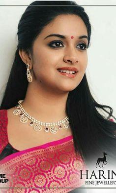 Most Beautiful Indian Actress, Beautiful Actresses, Indian Wedding Makeup, Saree Hairstyles, Bridal Hair Buns, Indian Goddess, Bollywood Wedding, Braids For Long Hair, Beautiful Saree