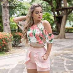 Boa tarde! #cropped #estampa #modaparameninas #ootd #estiloromantico Outfits For Teens, Casual Outfits, Summer Outfits, Cute Outfits, Fashion Outfits, Party Fashion, Love Fashion, Fashion Looks, Womens Fashion