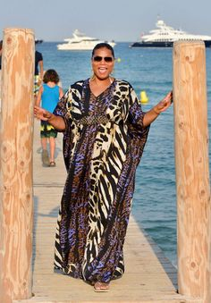 PLUS SIZE CELEBRITY STYLE: QUEEN LATIFAH'S PLUS SIZE CAFTAN FROM HER HSN QUEEN COLLECTION | STYLISH CURVES