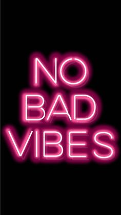 NO BAD VIBES please! NO BAD VIBES please! Android Wallpaper Black, Wallpaper Tumblr Lockscreen, Neon Wallpaper, Unique Wallpaper, Screen Wallpaper, Glitter Wallpaper, Pink Neon Sign, Neon Signs, Tumblr Bad