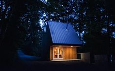 Tiny-Guest-Space-Cottage-on-Lake-George-NY-
