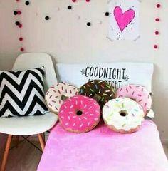Pillows / donuts
