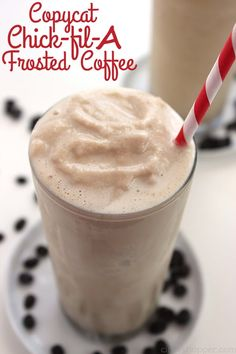 Coffee fans will LOVE this CopyCat Chick-fil-A Frosted Coffee recipe. The perfec… Coffee fans will LOVE this CopyCat Chick-fil-A Frosted Coffee recipe. The perfect refreshment for warm summer months. Simple to make right at home. Coffee Frosting Recipe, Frosted Coffee Recipe, Yummy Drinks, Yummy Food, Apple Smoothies, Iced Coffee, Coffee Art, Coffee Cups, Coffee Maker