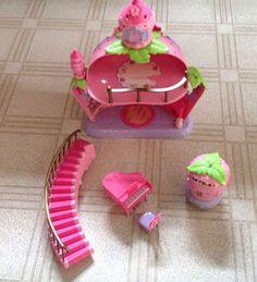 SUPER RARE Strawberry Shortcake PINK Berry Magical Castle