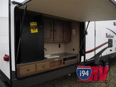 Like Bump Out Queen Bed Bunkhouse Travel Trailer With