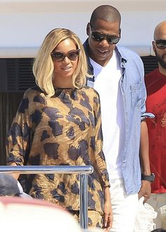 Beyoncé's Ibiza Never Fully Dressed Queenie T Printed Top and Matching Pants - The Fashion Bomb Blog : Celebrity Fashion, Fashion News, What To Wear, Runway Show Reviews