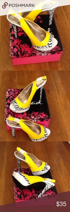 QUPID NEW SHOE 2PAIRS SIZE ( 8--8 1/2 )🌼💐🌼 ADORABLE QUPID YELLOW PAT PU SHOE Shoes Heels