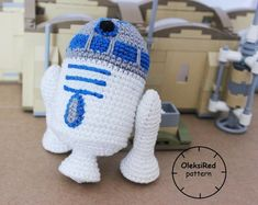 Star Wars CROCHET PATTERNS characters BB8 and R2D2 von OleksiRed