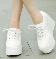 separation shoes 2b4d0 36a6c Quero!!! Sapatos Góticos, Sapatos Da Moda, Sapatos Lindos, Tênis Converse