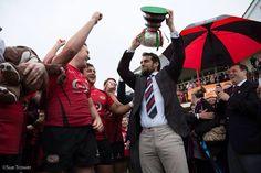 Henry com os campeões da Siam Cup 2015, time de Rugby de Jersey sua cidade natal.