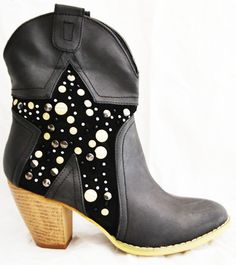 High Fashion clothing, Bags, Accessories, Sunglasses, Jewellery for ladies and teens High Fashion Outfits, Street Style Edgy, Black Star, Black Ankle Boots, Brand You, Rubber Rain Boots, Swag, Sunglasses, Lady