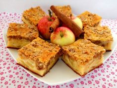 Prajitura cu mere si crusta de nuci French Toast, Food And Drink, Sweets, Apple, Breakfast, Cakes, Pie, Sweet Pastries, Morning Coffee