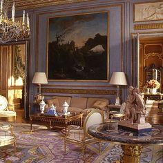HotelParticulierparis. Alberto Pinto. Savonnerie carpet