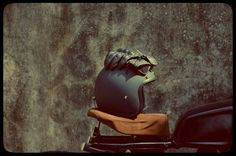 #bombay #custom #works #bike #helmet #gloves #rusty #cafe #racer #modify