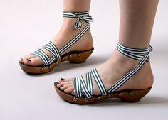 mohop shoes | hunter green stripes    renegadecraft.com/chicago-info