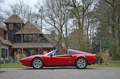 Looking for the Ferrari of your dreams? There are currently 1127 Ferrari cars as well as thousands of other iconic classic and collectors cars for sale on Classic Driver. Car Side View, Automotive Manufacturers, Ferrari Car, Automotive Design, Italian Style, Hot Cars, Fiat, Race Cars, Dream Cars