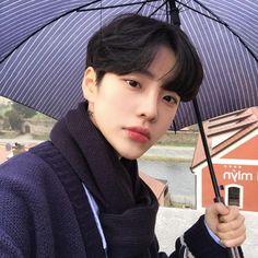 Boys korean beauty & - New Site Korean Boys Hot, Korean Boys Ulzzang, Korean Men, Korean Style, Cute Asian Guys, Asian Boys, Cute Guys, Beautiful Boys, Pretty Boys