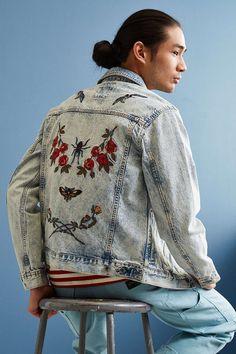 UO Souvenir Denim Trucker Jacket - Urban Outfitters