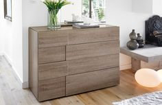 chest of drawers 22