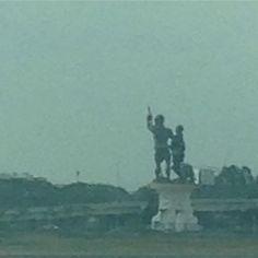 Vista del monumento a #guayasykil